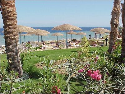 <a href='/egypt/hotels/kiroseiz/'>Kiroseiz Beach Club</a>  3*